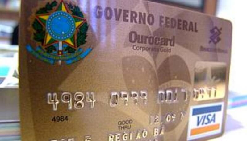 Cartões corporativos: farra pode chegar ao fim