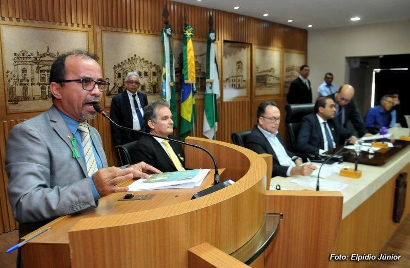 Secretário presta esclarecimentos acerca do reordenamento do Alecrim