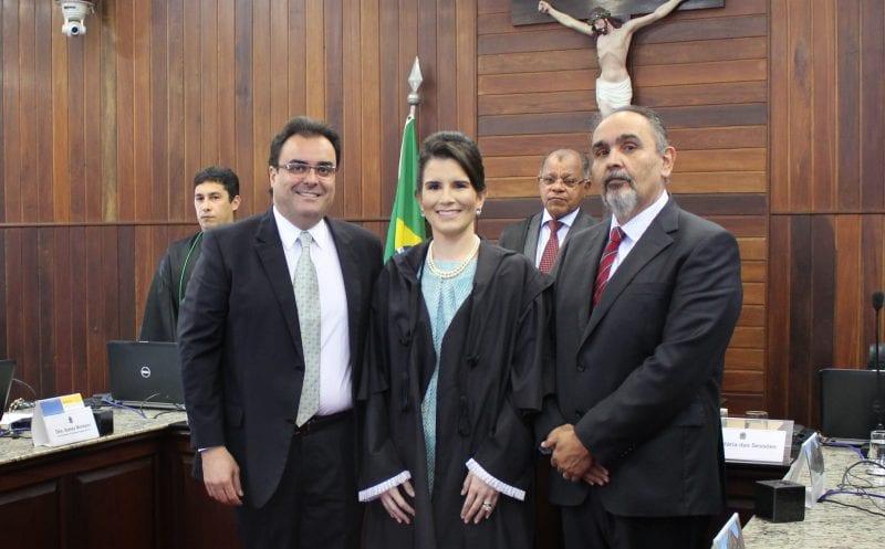 Adriana Cavalcanti Magalhães toma posse como membro suplente da corte do TRE-RN