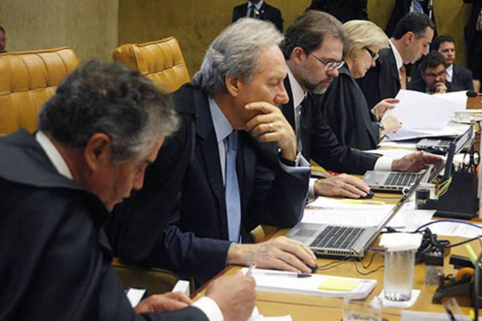Toffoli, Celso Mello e Moraes reagem à fala de Eduardo Bolsonaro sobre fechar STF