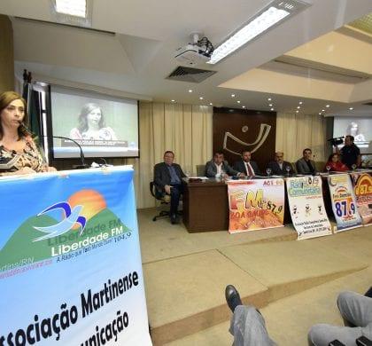 Rádios comunitárias buscam empoderamento em discussão na ALRN