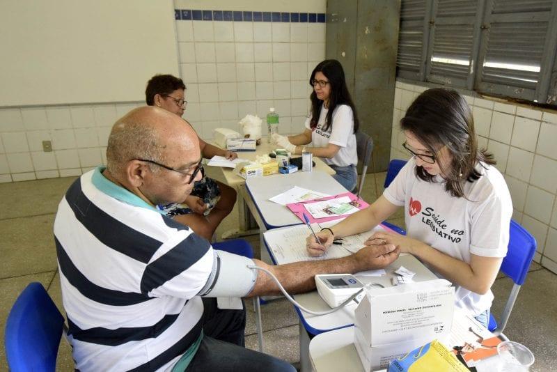 """""""Saúde Pelo RN"""" e Procon do Legislativo levam Assembleia para o bairro das Quintas"""