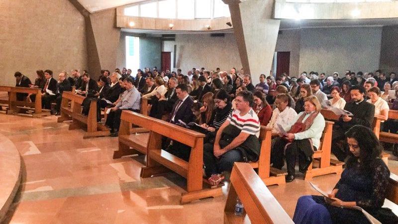 As imagens da celebração que antecede a canonização, governador e prefeitos participam do ato