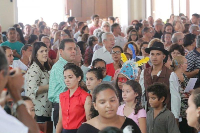 Prefeito Carlos Eduardo participa de missa em homenagem aos Mártires de Cunhaú e Uruaçu