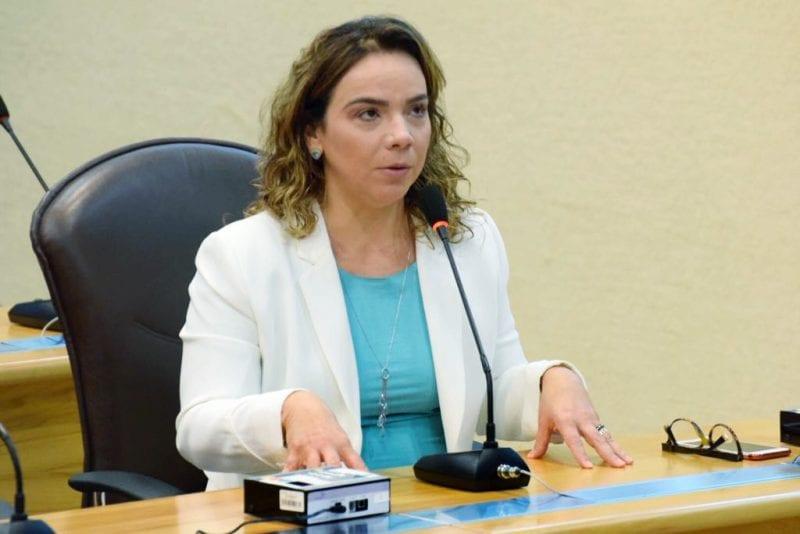 Deputada Larissa Rosado cobra melhorias para escola estadual na Zona Norte de Natal