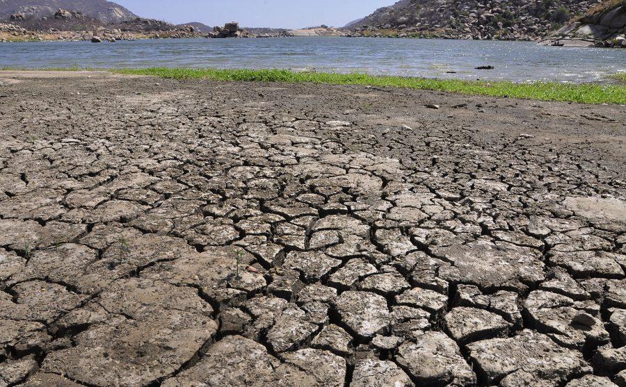 Açudes; Gargalheira em Acari, com pouca aguaAçude; Dourado em Currais Novos com pouca água