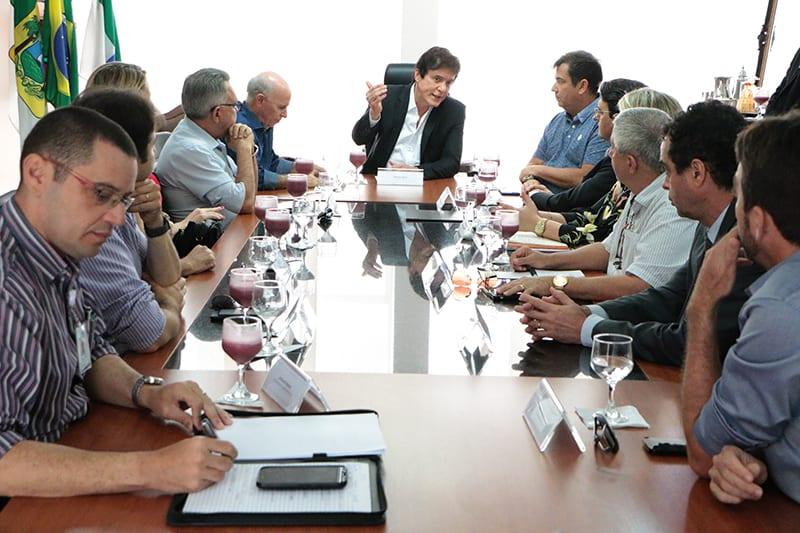 Governador reúne trade turístico para discutir agilidade nas obras do Centro de Convenções e do Museu da Rampa