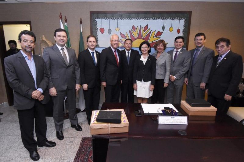 Presidente da Assembleia recebe embaixador da Alemanha no Brasil