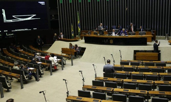 Senado aprova pacote anticrime e projeto vai à sanção de Bolsonaro