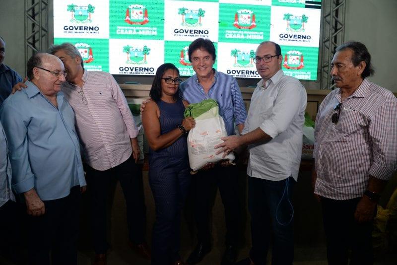 Governo entrega sementes e mudas de palma para agricultores de Ceará-Mirim e João Câmara