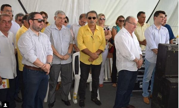 Políticos na missa de São José, em Angicos