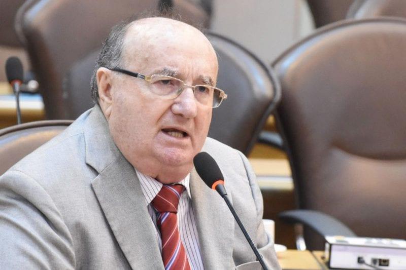 Deputado José Dias chama a atenção para pagamento da folha de servidores do Estado
