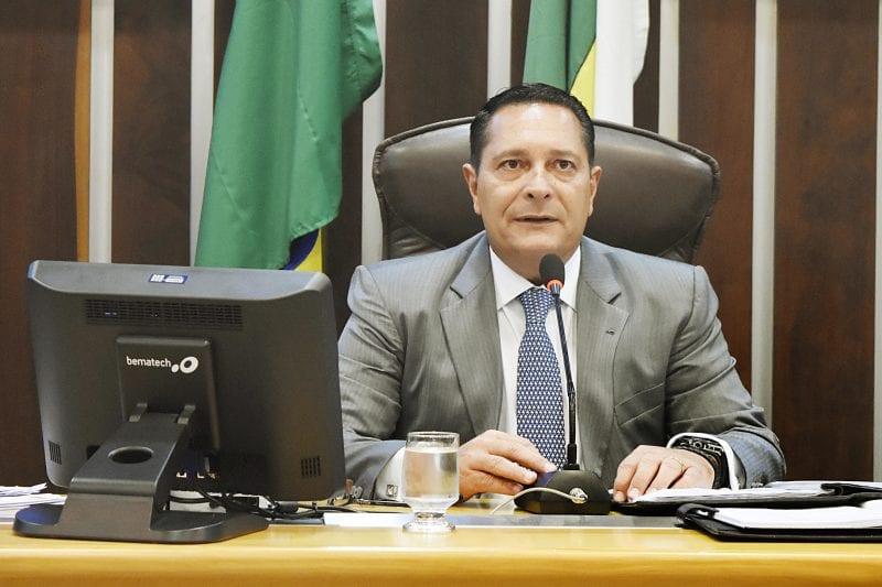 Deputado Ezequiel Ferreira requer instalação de torre de telefonia na região Agreste