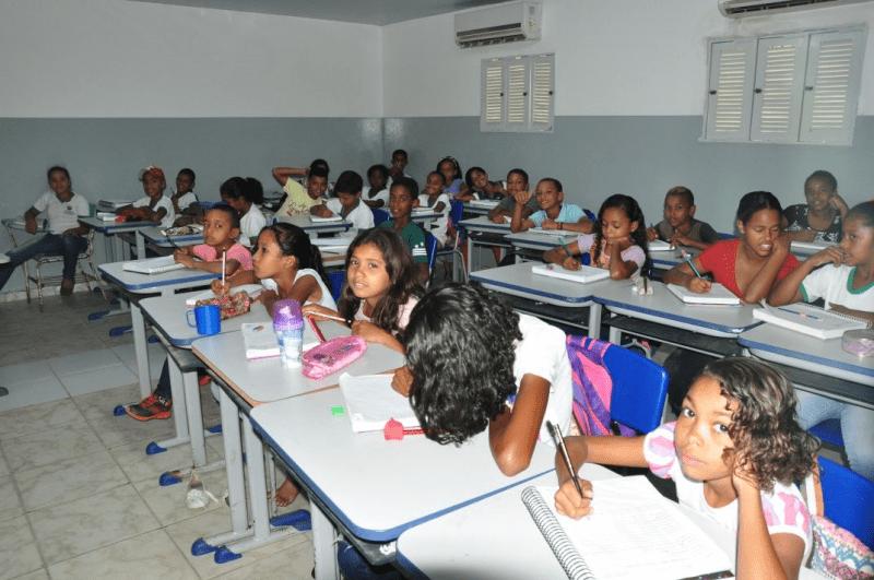 """Resultado de imagem para Prefeitura de Extremoz cria """"Escola Nota Dez"""" para incentivar alunos, pais e professores"""