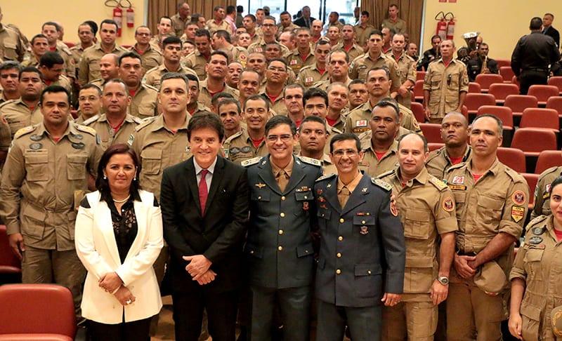 Governador empossa novo  comandante do Corpo de Bombeiros