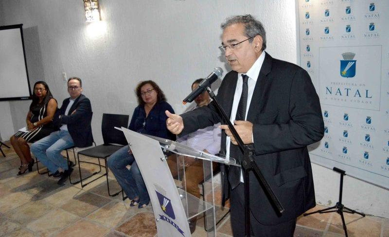 Em nota, Álvaro Dias nega que esteja buscando na bancada apoio para o filho candidato a deputado