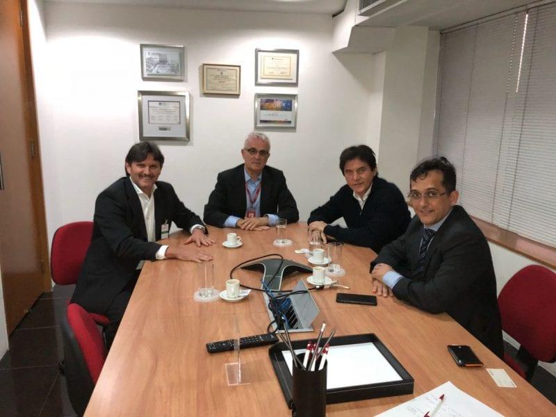 Governador se reúne com presidente da Gol e pede ampliação de voos
