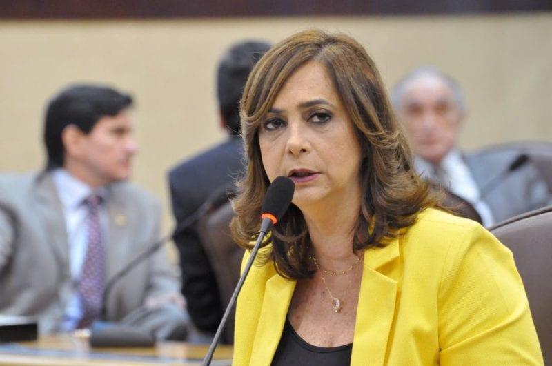 Deputada Márcia cobra regulamentação da lei que beneficia mulheres vítimas da violência