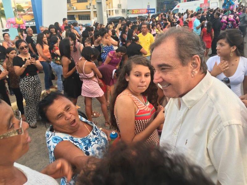 José Agripino Maia e Carlos Eduardo Alves na procissão em Santa Cruz