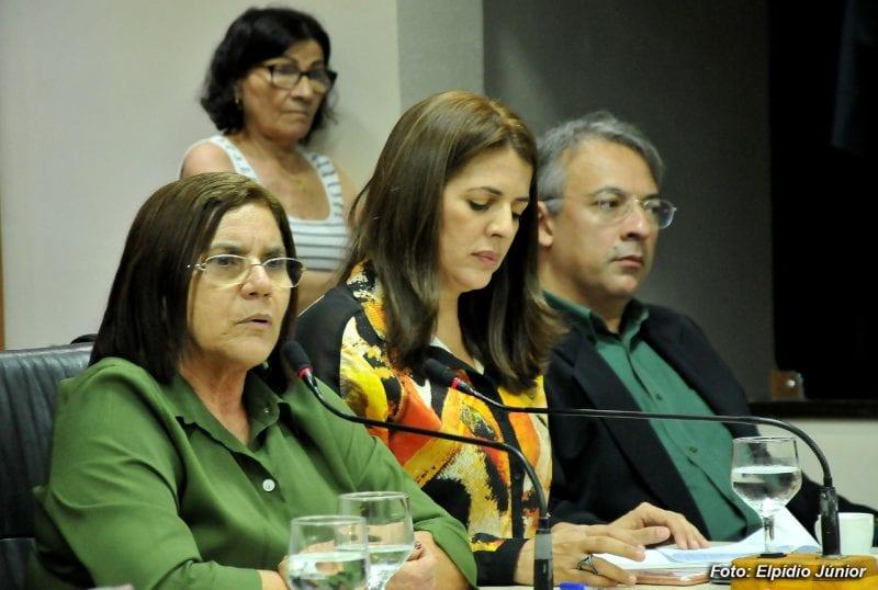 Câmara discute proposta que altera carreiras de educador infantil e professor