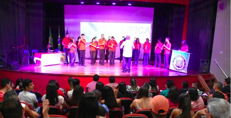 Qualifica São Gonçalo: Prefeitura realiza entrega de certificados