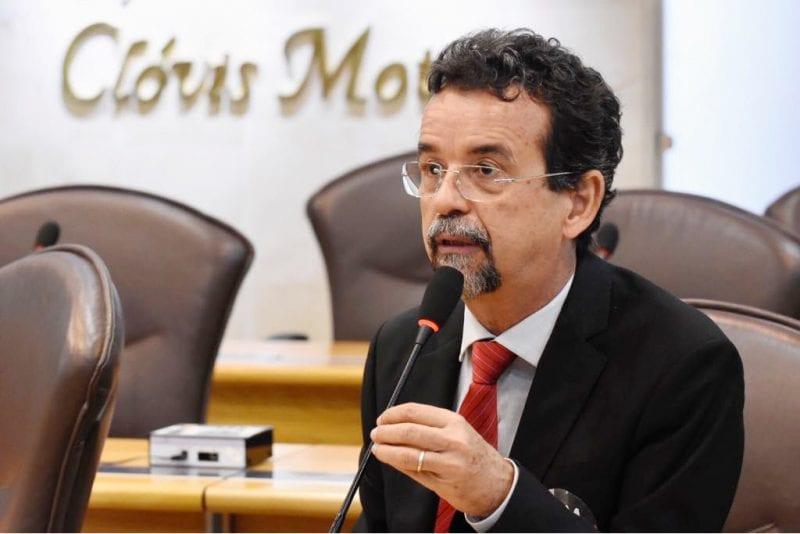 Deputado Mineiro defende aprovação do projeto que reajusta piso dos professores