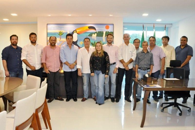 Em reunião na sede do PSDB, prefeitos tucanos opinaram favoravelmente e respaldaram decisão via Executiva