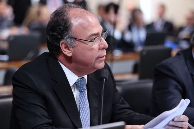 Senador de Pernambuco propõe cota para aluno do semiárido