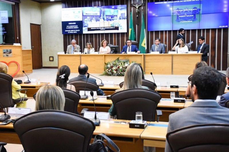 Ezequiel Ferreira destaca papel social da Amico durante solenidade na Assembleia