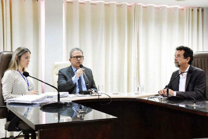 Comissão de Educação aprova projeto que assegura vacinação domiciliar de idosos