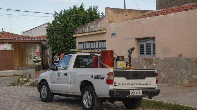 Carro fumacê começou a circular em 10 bairros de Mossoró