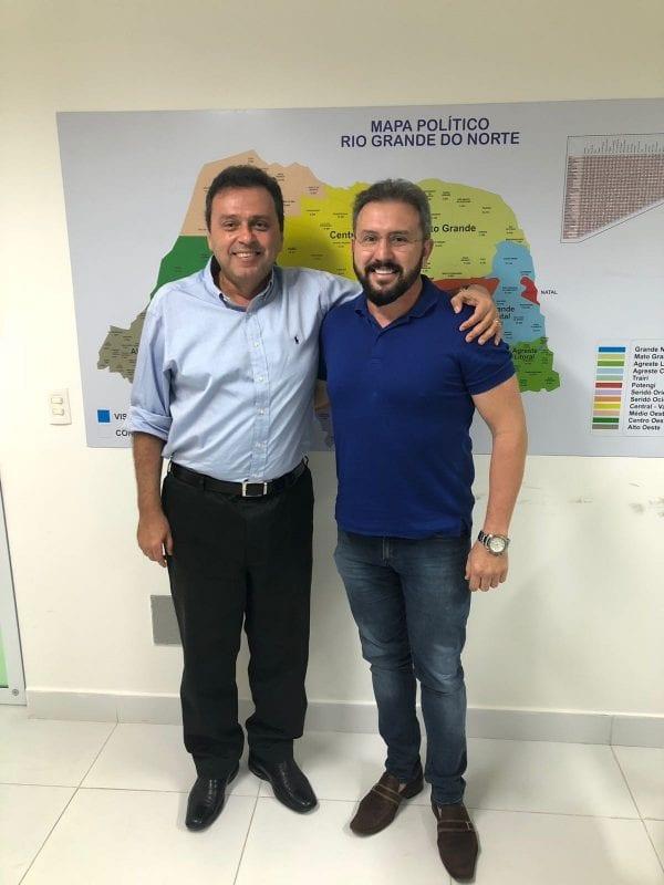 Ex-prefeito do PSD decide apoiar Carlos Eduardo