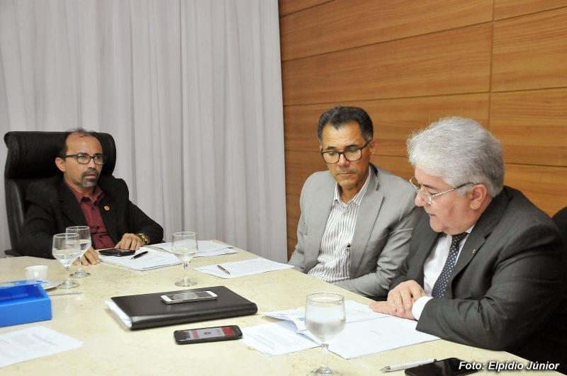 Licitação dos Transportes: Sandro Pimentel rejeita projeto da Prefeitura e Sueldo Medeiros pede vistas