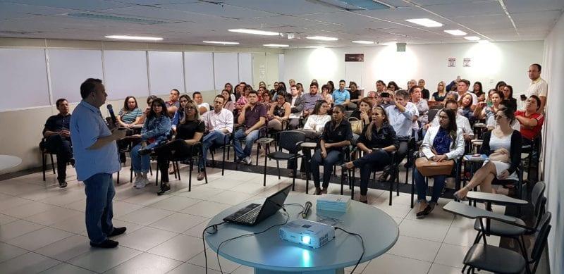 Deputado Rogério Marinho começa campanha com trabalhadores no Distrito Industrial de Macaíba e em Natal