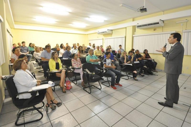 Escola da Assembleia seleciona professores para banco de talentos