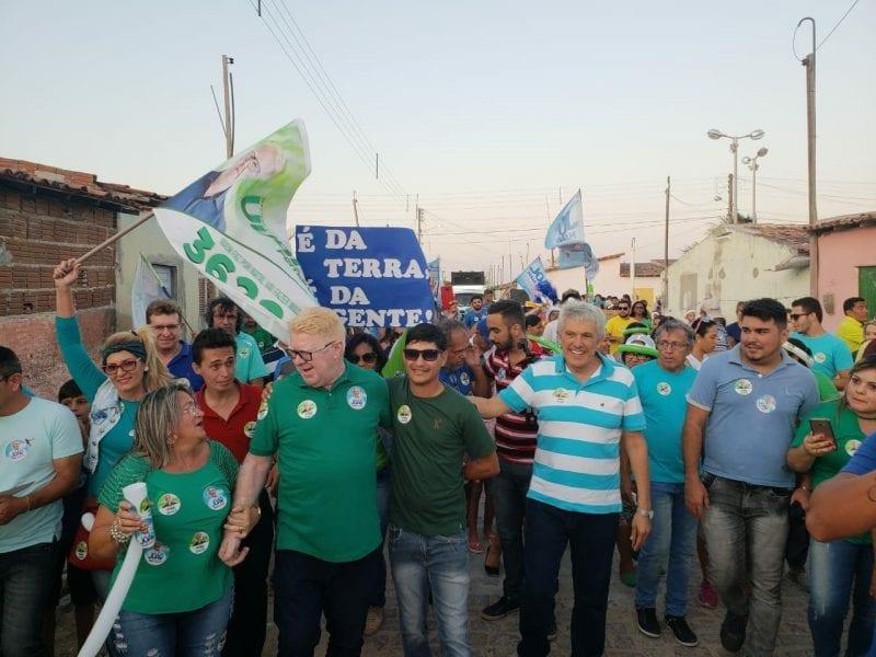 João Maia participa de carreatas e caminhadas