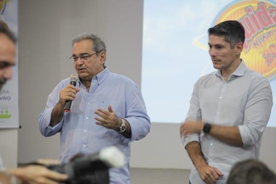 Prefeito Álvaro Dias participa da cerimônia de entrega de prêmios do Liquida Natal