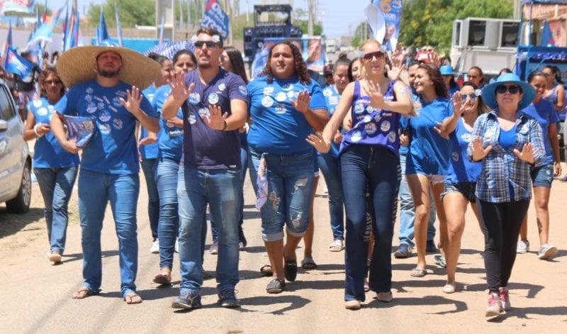 Campanha de Robinson Faria e Tião Couto chega à reta final com caminhadas em Mossoró