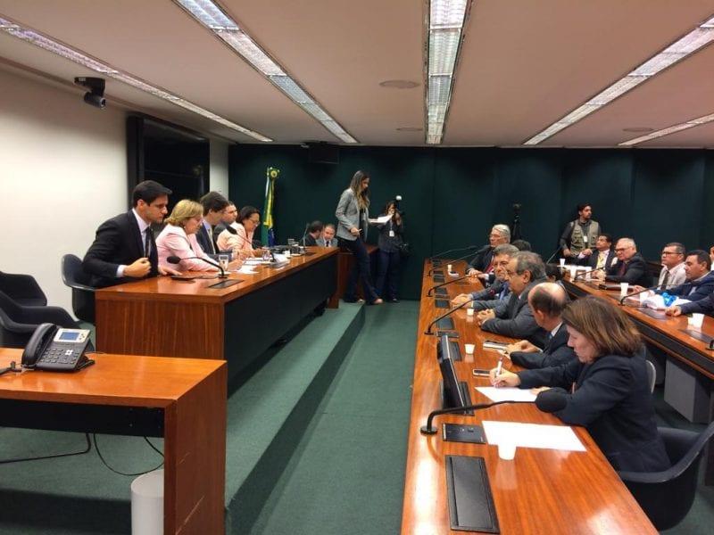 Prefeito Álvaro Dias defende em Brasília inclusão de emendas ao OGU para projeto de terminal turístico da Redinha