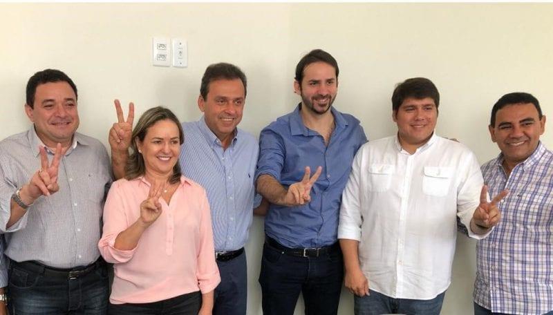 Quatro novos prefeitos passam a apoiar Carlos Eduardo no 2º turno