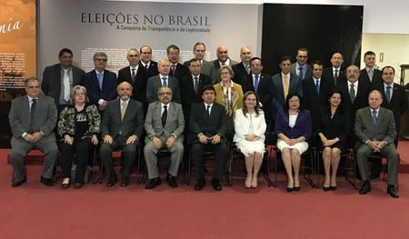 Presidentes do TREs reunidos em Brasília