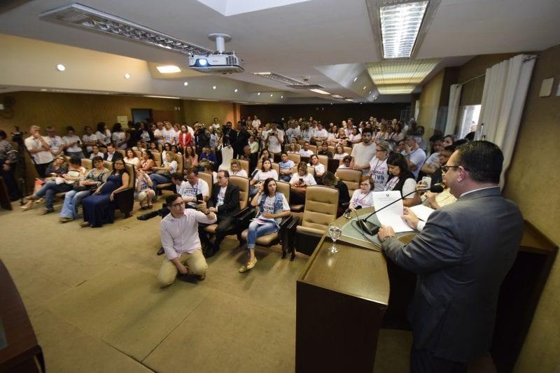 Autismo: audiência pública e campanha debatem tema na Assembleia Legislativa