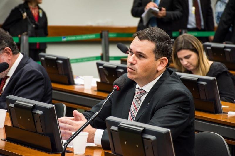 Reemissão de documentos para idosos poderá ser gratuita