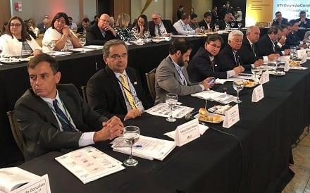 Álvaro Dias se soma a outros prefeitos na defesa da reforma tributária