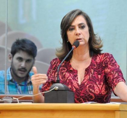 Deputada Márcia cobra plantão para atender mulheres vítimas de violência doméstica