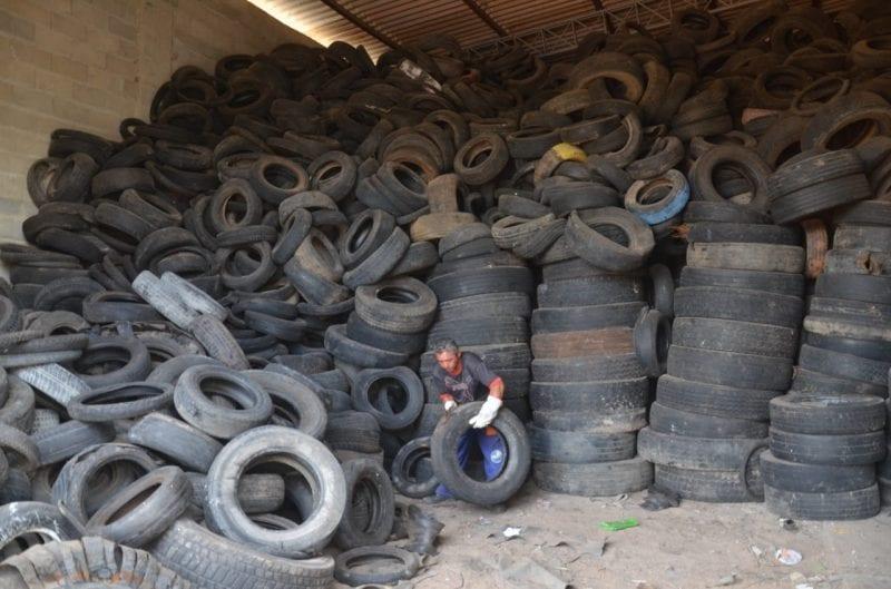Reciclagem: Prefeitura de São Gonçalo já recolheu 20 mil pneus velhos de borracharias