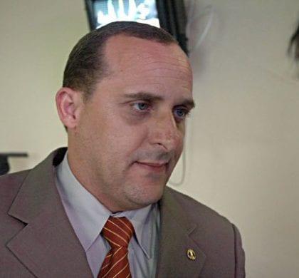 """Ex-vereador é condenado por manter """"fantasmas"""" em gabinete"""