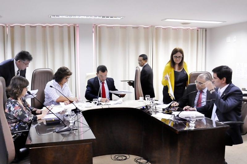 CCJ da Assembleia aprova projeto de campanha permanente para combater crime contra as mulheres
