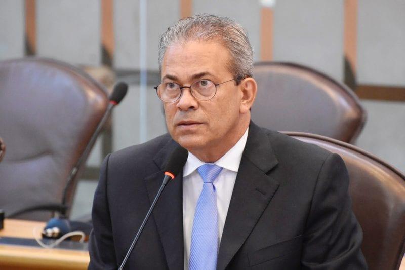 Deputado Hermano registra abertura de mostra de arquitetura que reformou Juvino Barreto