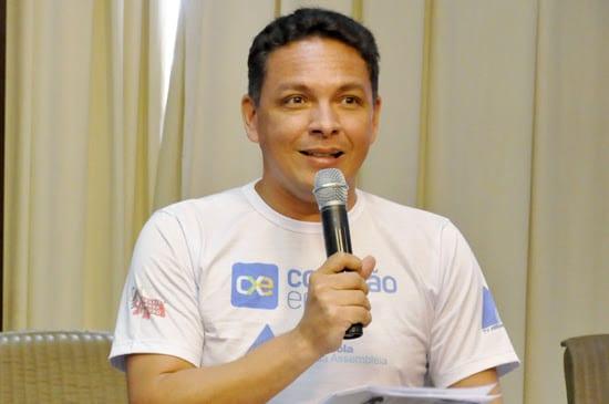 Professor do Conexão Enem, João Maria de Lima acerta tema da redação do Enem